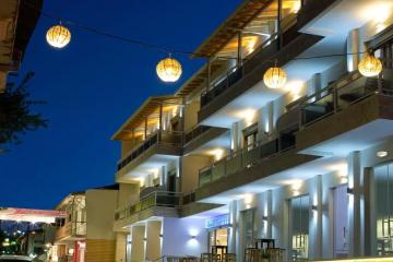 Grand theoni hotel suites & spa *4